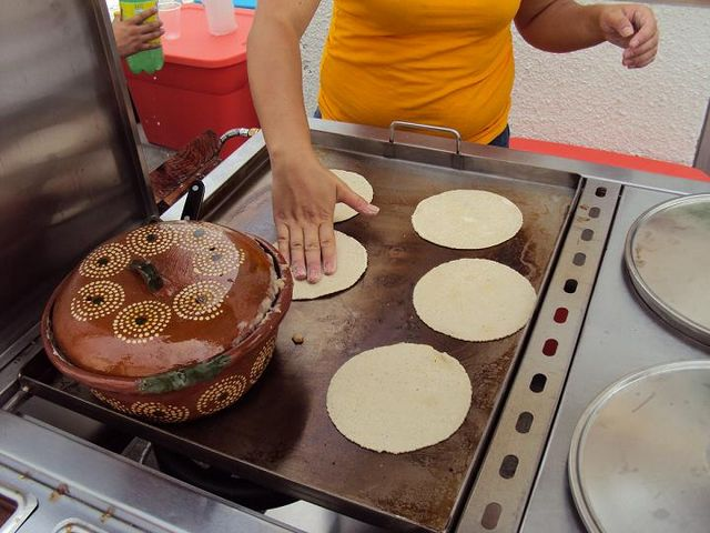 Tortillas recien hechas a mano la cocina de blanquita - Cocinas hechas a mano ...